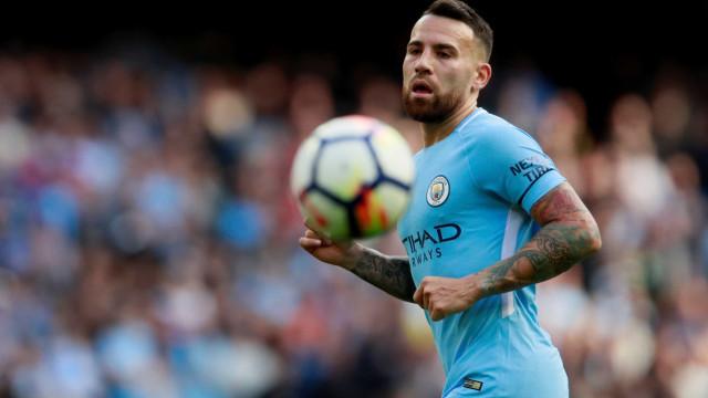 Oficial: Otamendi estende o vínculo com o Manchester City