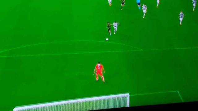 Alex Sandro inaugurou o marcador e colocou... o Sporting em vantagem
