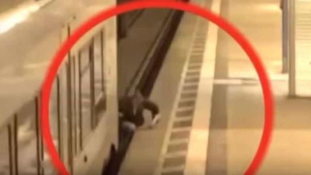 Atropelado por composição do metro, teve a sorte de só partir uma perna