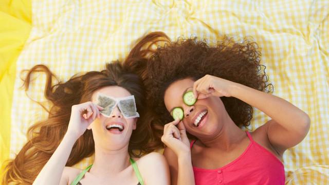 As 14 melhores formas de desintoxicar a pele