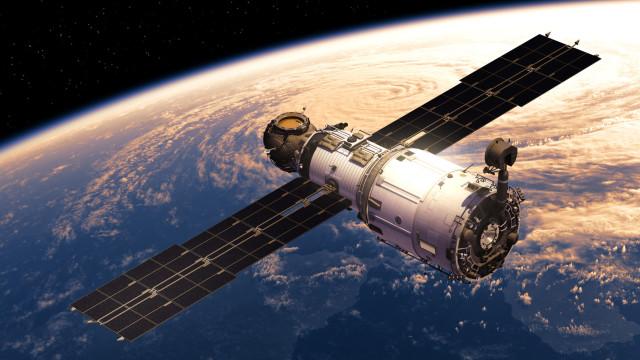 Laboratório espacial chinês entra hoje na atmosfera a 26 mil km por hora