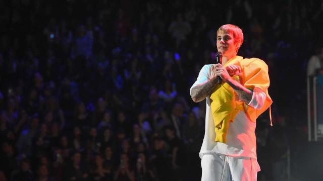 Justin Bieber assumiu o papel de padrinho no casamento do pai