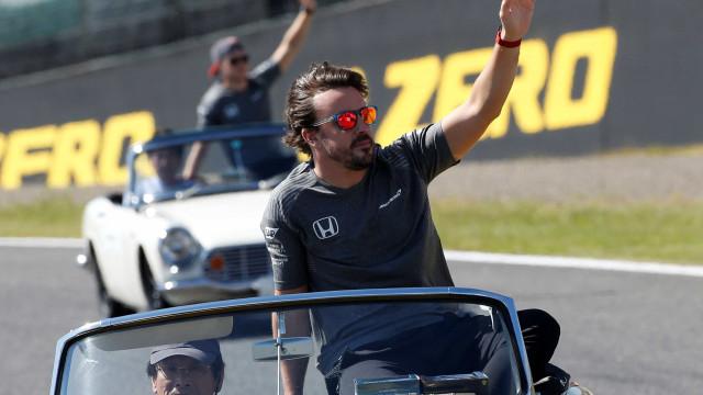 Oficial: Fernando Alonso renova com a McLaren