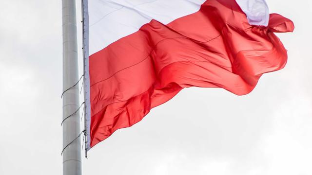 Mais de dez pessoas esfaqueadas em centro comercial polaco