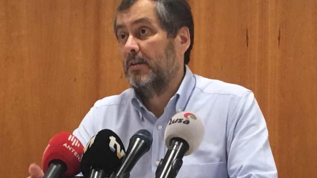 Professores fazem pré-aviso de greve para 27 de outubro