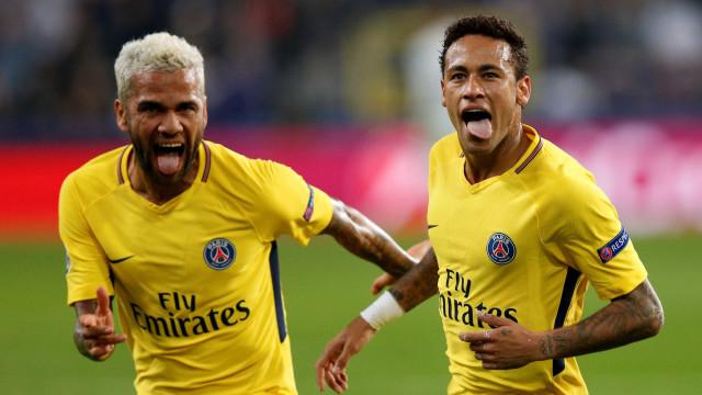Dani Alves contou (finalmente) como ele e Neymar foram para o PSG