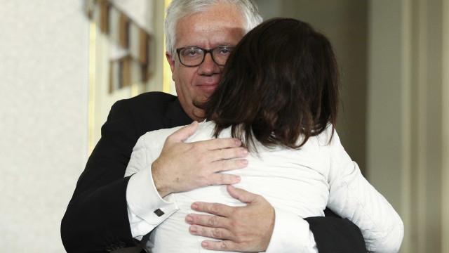 O 'adeus' e os abraços a Constança na tomada de posse dos novos ministros