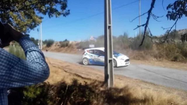 Piloto Carlos Matos perde rali porque travou para não atropelar cão