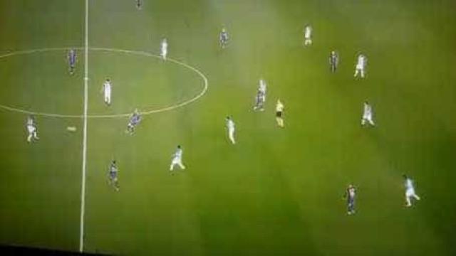Messi quase perde a cabeça com Rakitic por causa de um... passe para trás