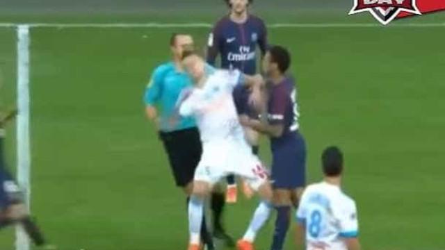 Neymar perdeu a cabeça com Ocampos e acabou expulso