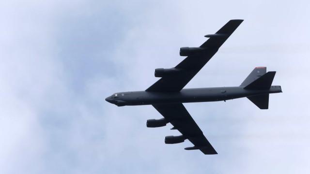 Força Aérea dos Estados Unidos põe bombardeiros B-52 em alerta 24 horas