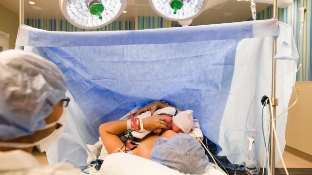 Combateu cancro ao mesmo tempo que gerava uma criança. E tudo correu bem