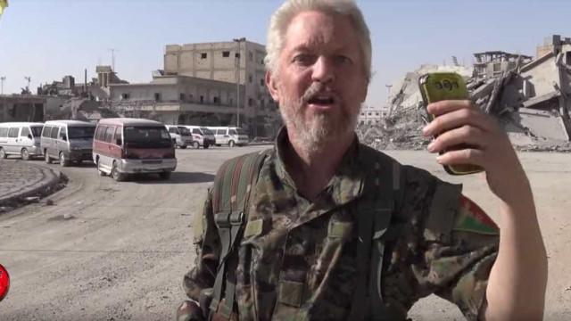 Ator que combate o ISIS faz 'Bang Bang' aos jihadistas e vinga Manchester