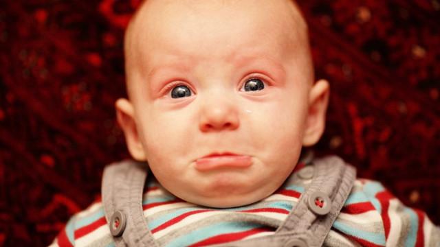 Ciência descobre como é que o cérebro das mães reage ao choro de bebés
