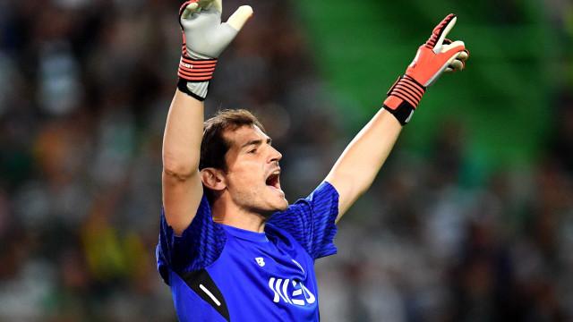 Espanhóis 'empurram' Casillas para a porta de saída do Dragão