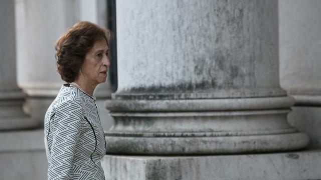 Ferreira Leite acusa Governo de só querer publicar decreto após eleições