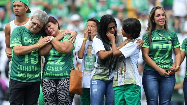 Viúva diz que Cléber Santana não estaria na Chapecoense se estivesse vivo