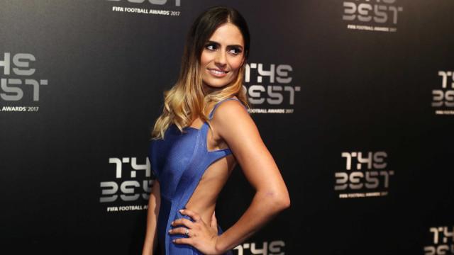 Conheça melhor a apresentadora que 'brilhou' na gala da FIFA
