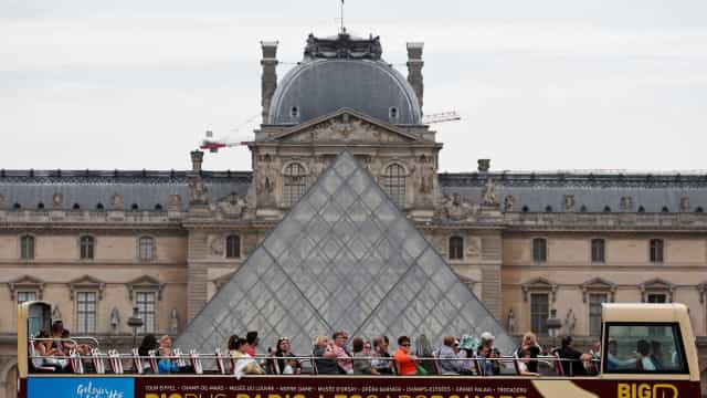Museu do Louvre angaria fundos para livro de horas do Rei Francisco I