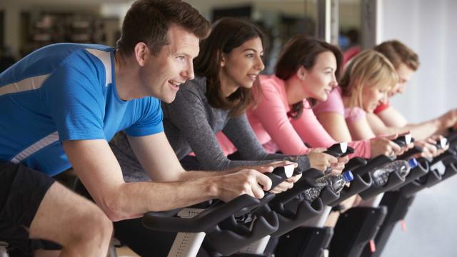 Fica sem energia nas aulas de cycling? Eis o que deve comer