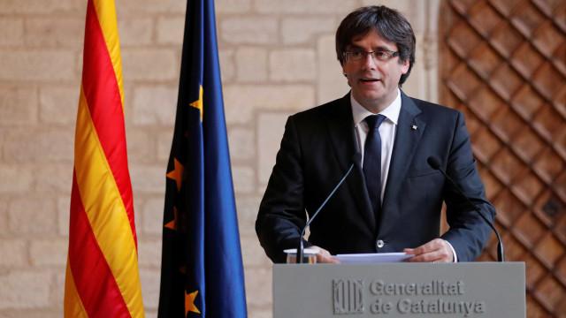"""Puigdemont vai liderar lista eleitoral """"Juntos pela Catalunha"""""""