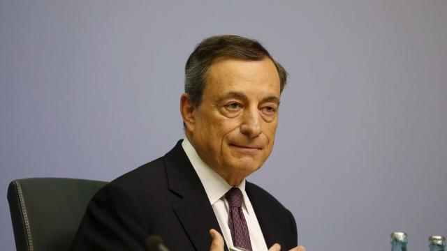 """BCE vai """"preparar terreno"""" para terminar compra de ativos"""