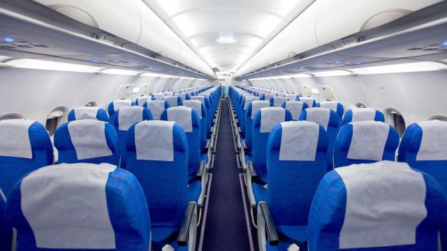 Britânica pagou 51 euros por bilhete e viajou sozinha no avião