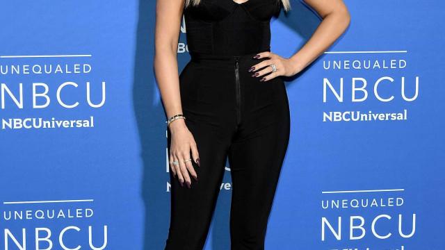Khloé Kardashian tenta disfarçar barriguinha (que já se começa a notar)