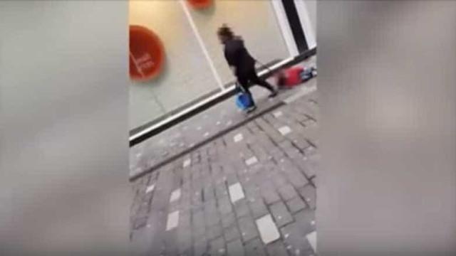 Mulher filmada a arrastar filho defende-se e revela o porquê