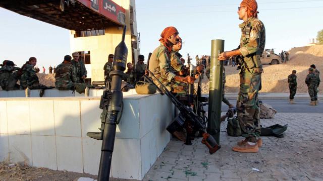 Turquia revela que Trump vai deixar de armar curdos. Pentágono desconhece