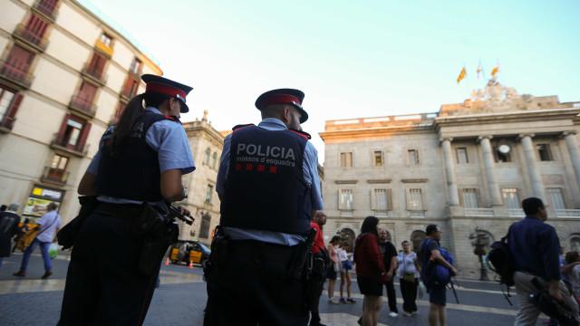 Catalunha: Detidos 12 ativistas que impediam entrada no Tribunal Superior