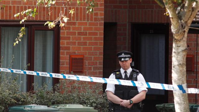 Mulher esfaqueada até à morte no intervalo do Inglaterra-Suécia