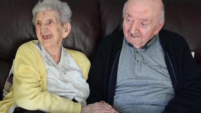 Idosa de 98 anos muda-se para lar para cuidar de filho de 80 anos