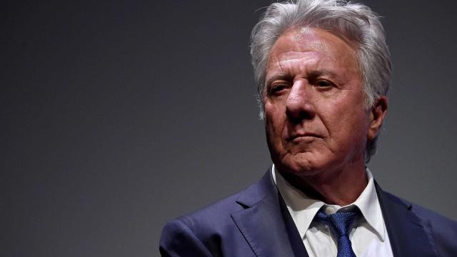 Dustin Hoffman pede desculpa após ser acusado de assédio sexual