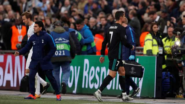 Cristiano Ronaldo fartou-se e aconselhou jornalistas a usar... o Google