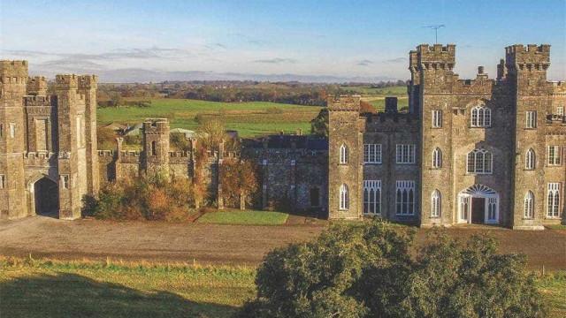 Este magnífico castelo está à venda por... 13,5 milhões