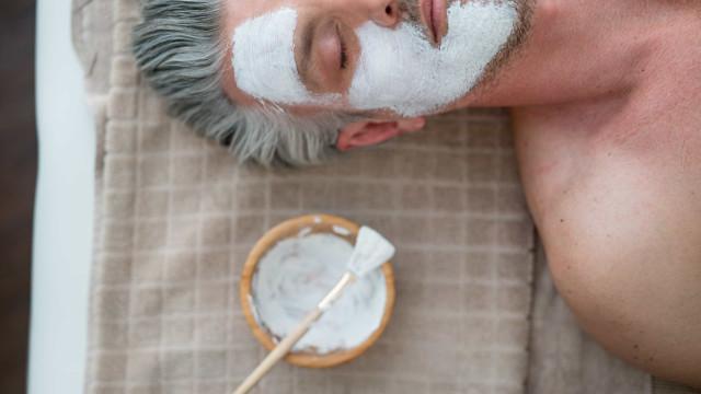 Espelho meu, alguém poderá fazer mais pela minha pele do que eu?