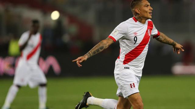 FIFA suspende Paolo Guerrero por 30 dias