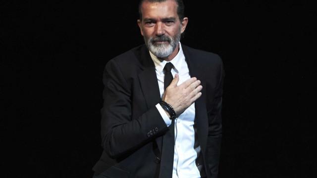 Antonio Banderas deixa mensagem ao povo grego