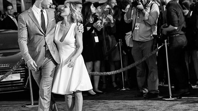 Elsa Pataky explica como foi trabalhar com o marido, Chris Hemsworth