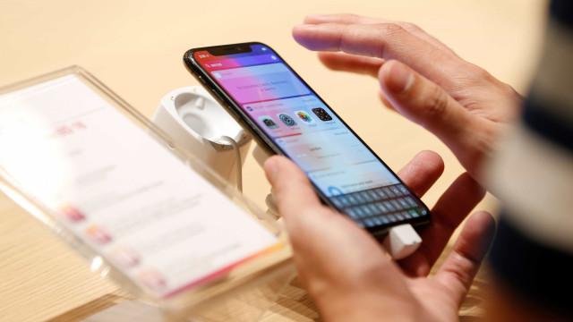 Apple em risco de continuar a depender da Samsung