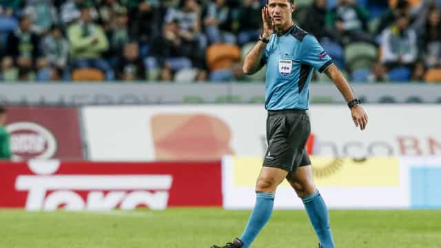 Carlos Xistra apita o Benfica-FC Porto