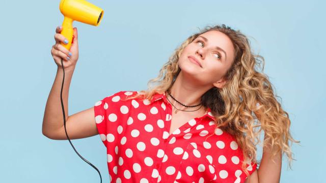 Guia para secar o cabelo da forma correta, segundo Cambridge