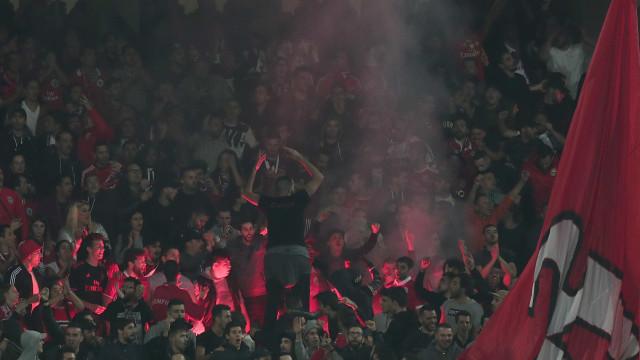 """Benfica faz apelo aos adeptos: """"Não fechem a Luz!"""""""