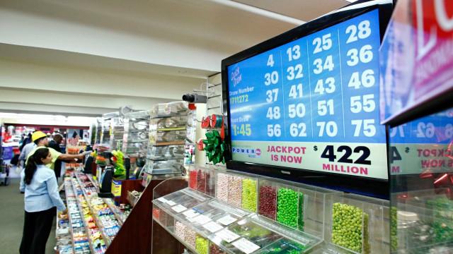 Mulher com (muita) sorte ganha a lotaria duas vezes… no mesmo dia