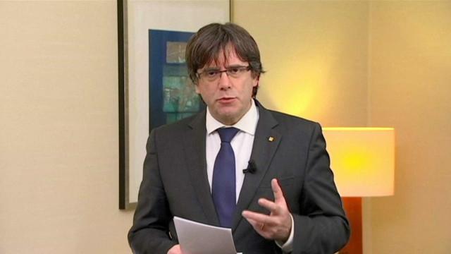 """Puigdemont vai """"defender até ao fim"""" os seus direitos"""