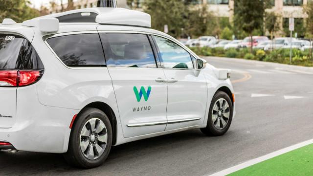 Carros da Google já percorreram mais de 160 milhões de quilómetros