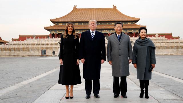 Em Pequim, Trump coopera com esforços da China para controlar imagem