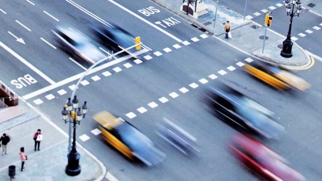 Adiar condução autónoma resultará em mais vítimas mortais, diz estudo