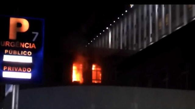 Incêndio no Hospital Santa Maria. Chamas já foram extintas